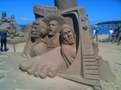 DesignDrizzle-sand-sculpture-10