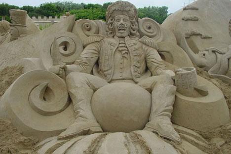 DesignDrizzle-sand-sculpture-28